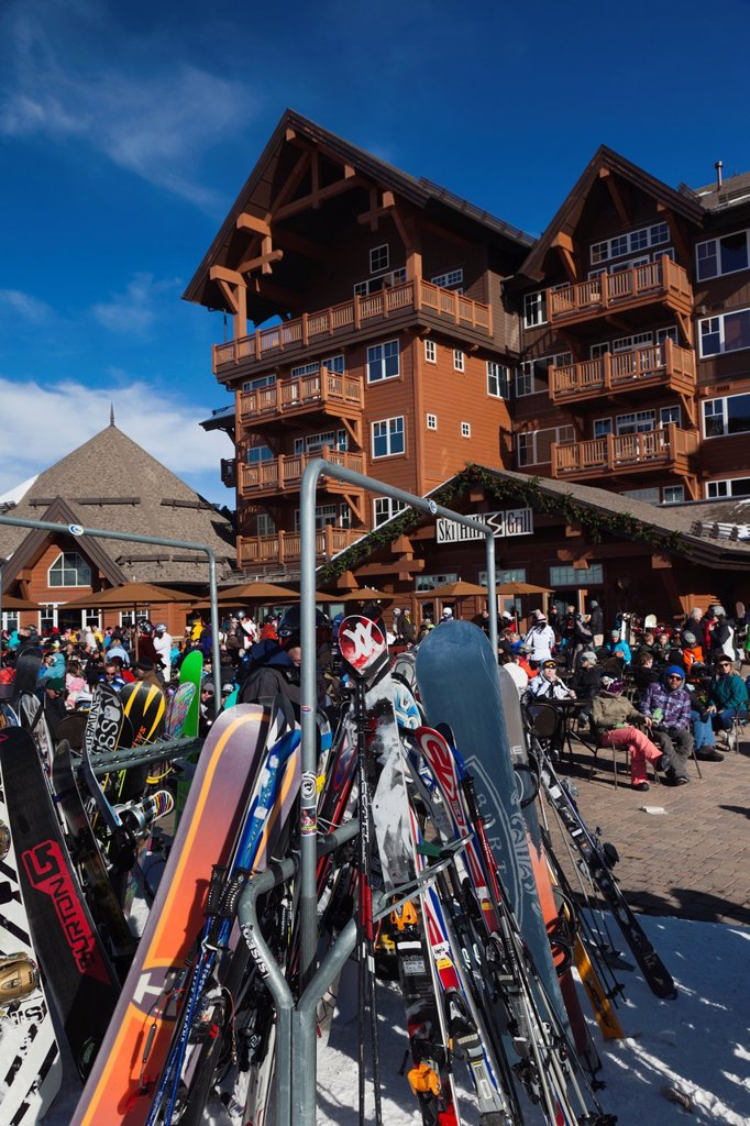 Stock Photo: 1566-1015167 USA, Colorado, Breckenridge, ski lodge, Peak 8, NR