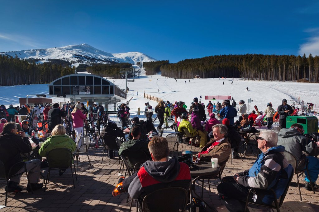 Stock Photo: 1566-1015170 USA, Colorado, Breckenridge, ski lodge, Peak 7, NR