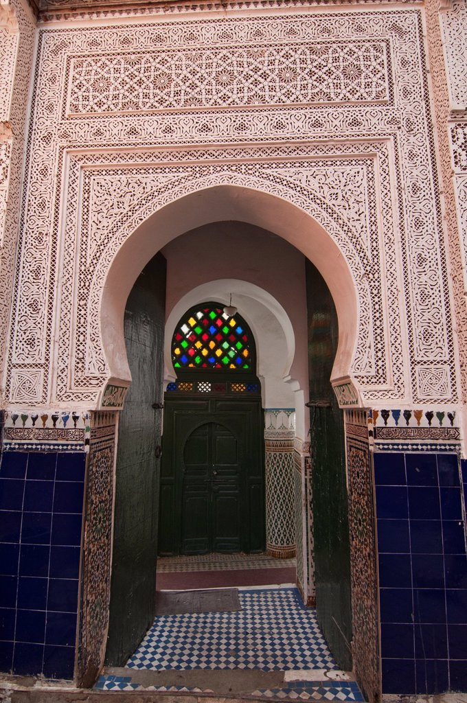 Stock Photo: 1566-1016171 traditional door in the ancient medina in Marrakech, Morocco