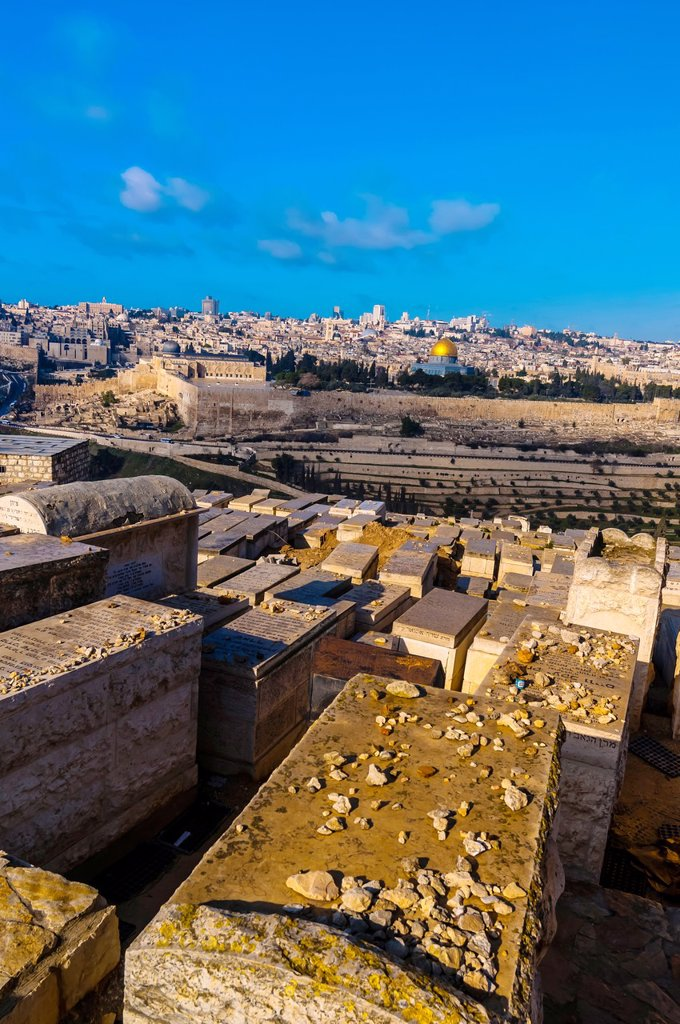 Stock Photo: 1566-1016943 Gravestones 150,000 graves, Jewish Cemetery on the Mount of Olives, with the Dome of the Rock on the Temple Mount in background, Jerusalem, Israel