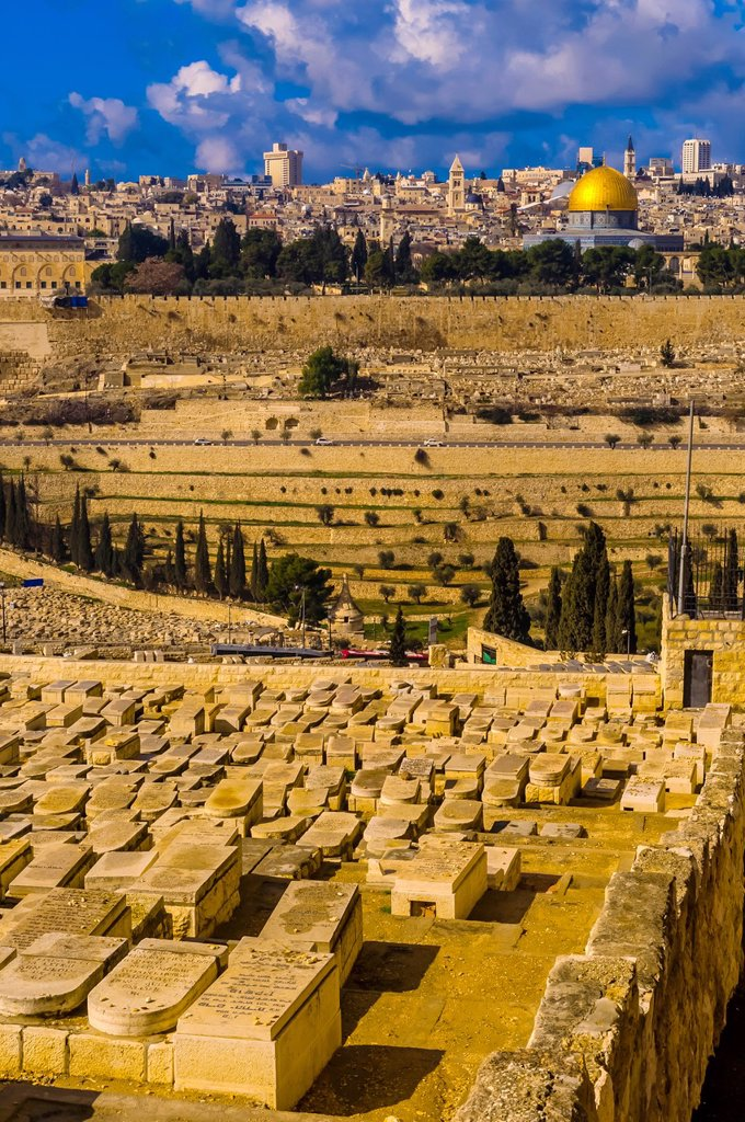 Stock Photo: 1566-1016957 Gravestones 150,000 graves, Jewish Cemetery on the Mount of Olives, with the Dome of the Rock on the Temple Mount in background, Jerusalem, Israel