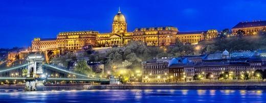 Hungary, Budapest, Chain Bridge and the Royal Palace illuminated, dusk : Stock Photo