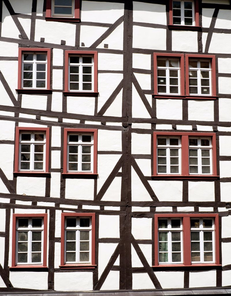 Stock Photo: 1566-1019740 Half-timbered old houses in historic village of Monschau in Eifel Region of Germany