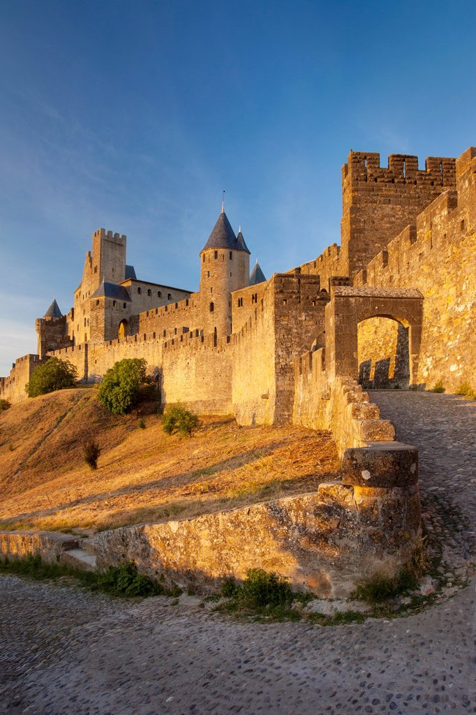 Stock Photo: 1566-1020929 Entrance to medieval town of Carcassonne, Languedoc-Roussillon, France