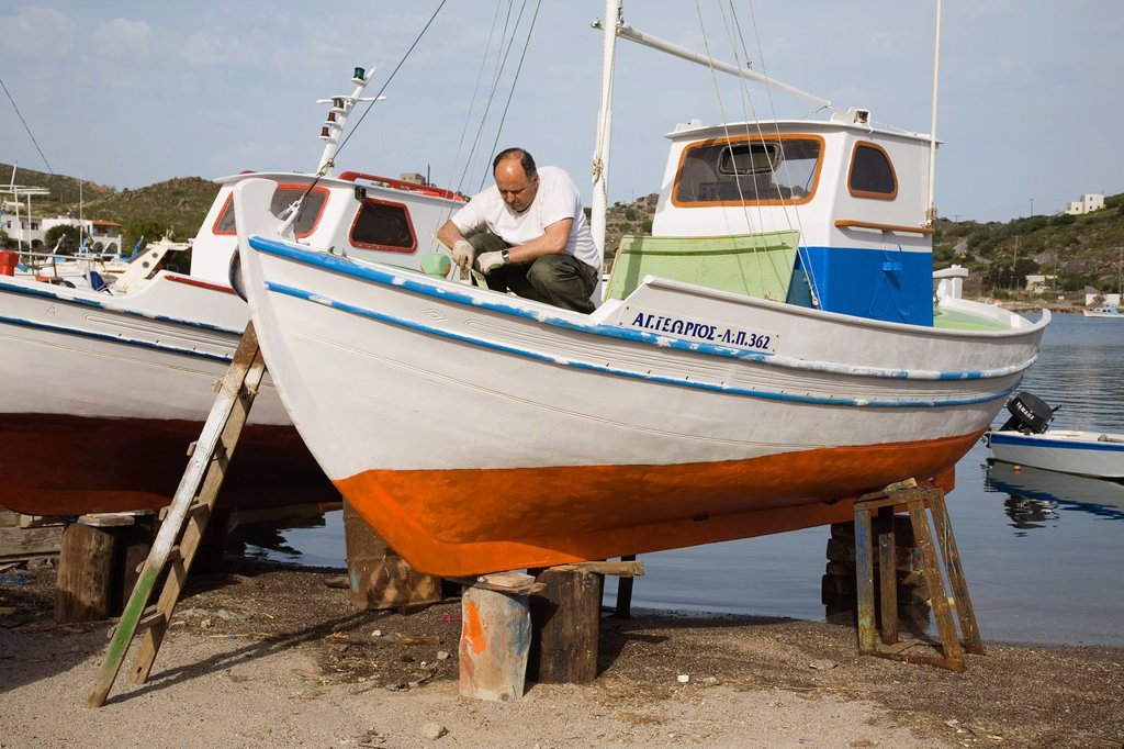europe, greece, dodecanese, patmos island, maintenance of a boat : Stock Photo