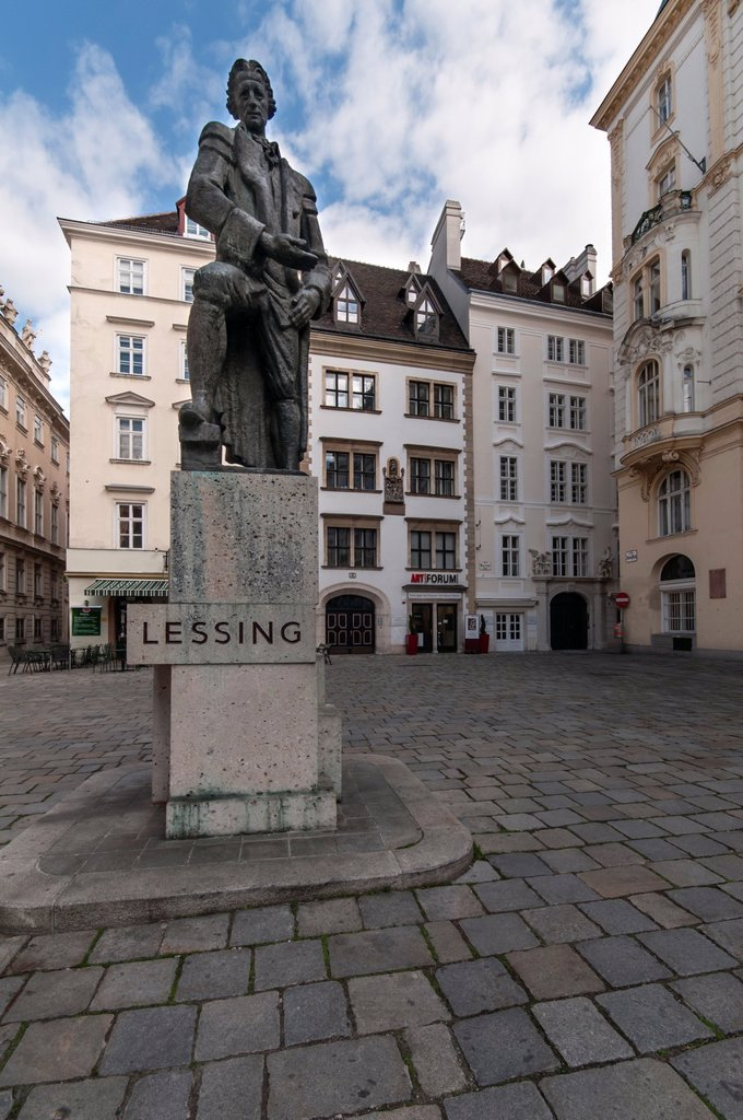 Ephraim Lessing Statue, German playwright and critic by Seigfried Charoux  The original was destoyed by the Nazis in 1939 who did not like a tribute to a writer whose works plead for toleration towards Jews  It was redesigned by the same artist and reinst. Ephraim Lessing Statue, German playwright and critic by Seigfried Charoux  The original was destoyed by the Nazis in 1939 who did not like a tribute to a writer whose works plead for toleration towards Jews  It was redesigned by the same artis : Stock Photo