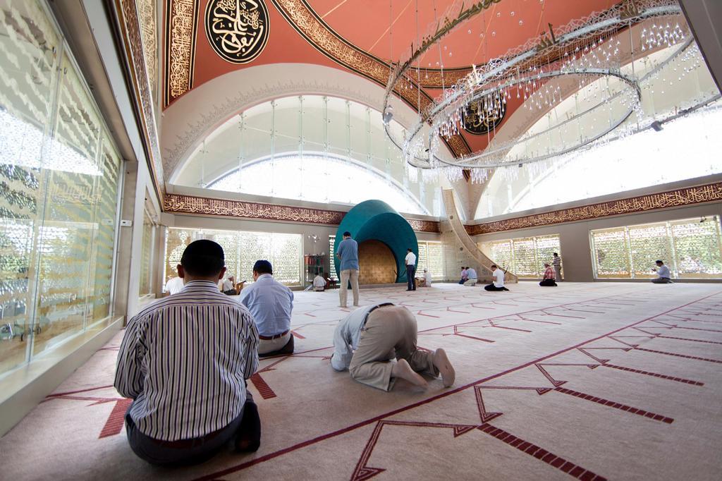 Stock Photo: 1566-1022149 Sakirin Mosque