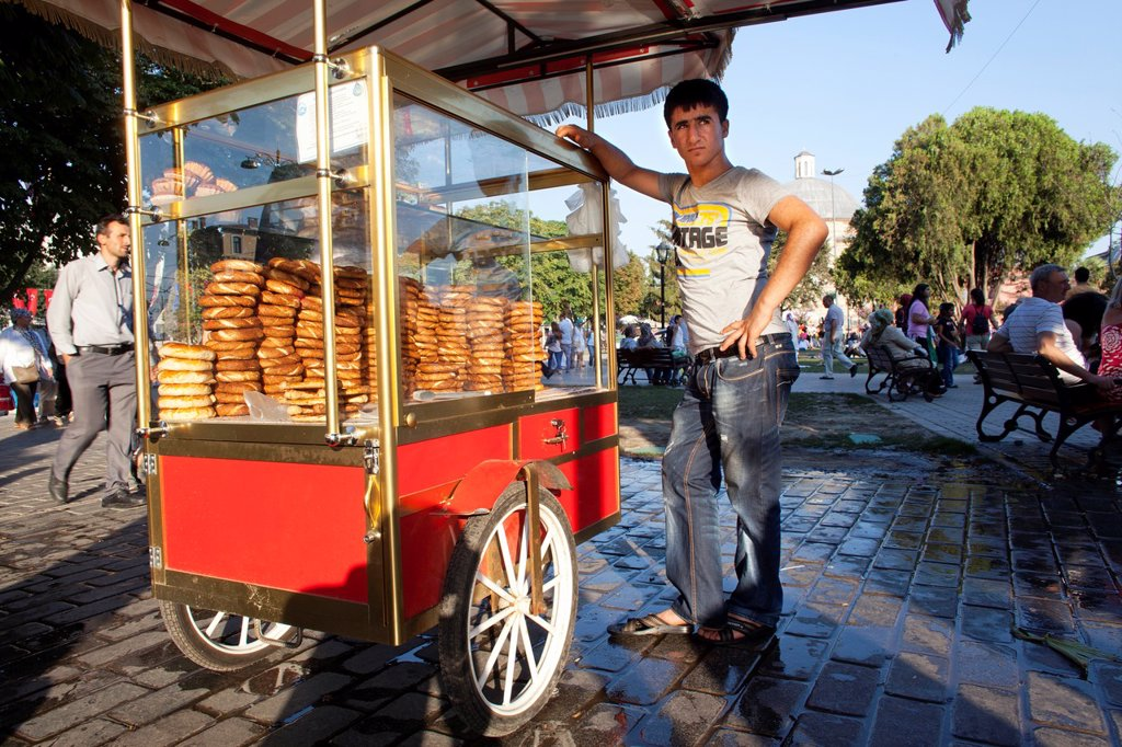 bread sales man in istanbul : Stock Photo