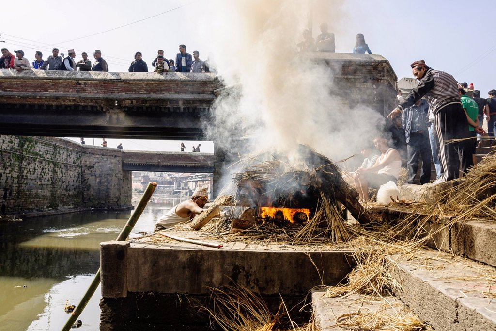 Stock Photo: 1566-1024114 Pashupatinath, cremation, riverside Bagmathi, tributary of the Ganges, Nepal sacred river for Hindus, Kathmandu, Nepal, Asia