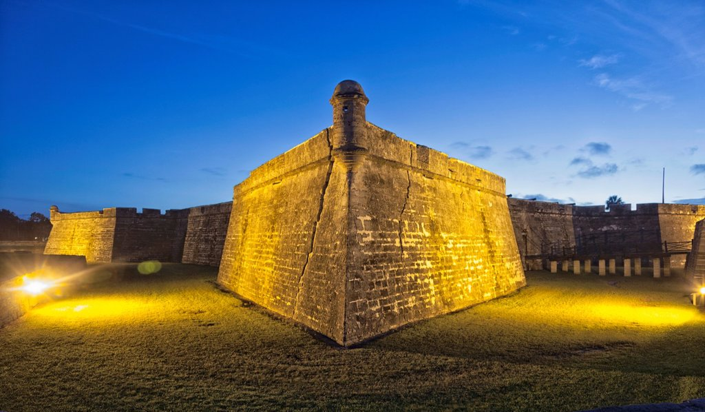 Castillo de San Marcos begore dawn  St  Augustine, FL, USA : Stock Photo