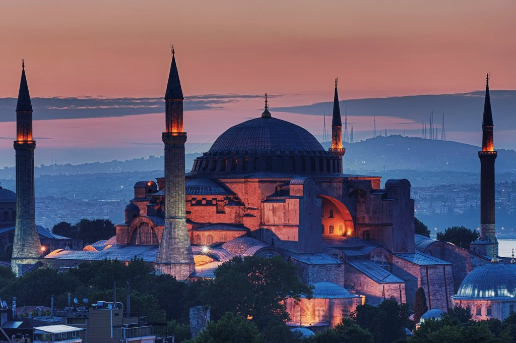 Stock Photo: 1566-1024946 Hagia Sophia museum and Bosphorus at sunrise, Istanbul, Turkey