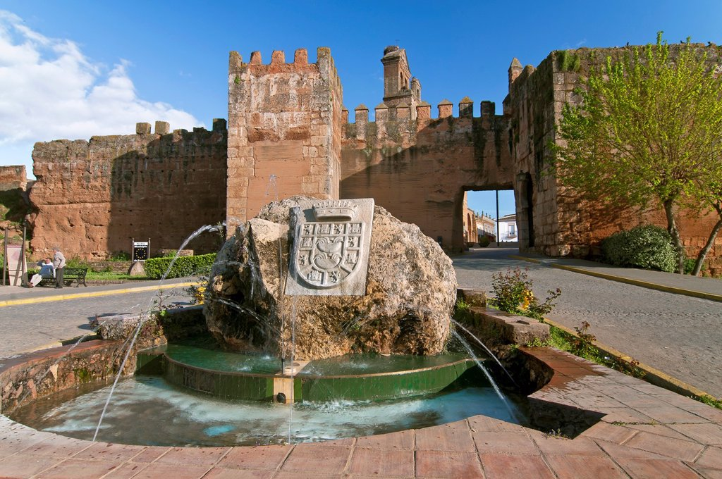 Stock Photo: 1566-1025097 Walls, fountain and Door of the Socorro  Niebla  Huelva-province  Spain