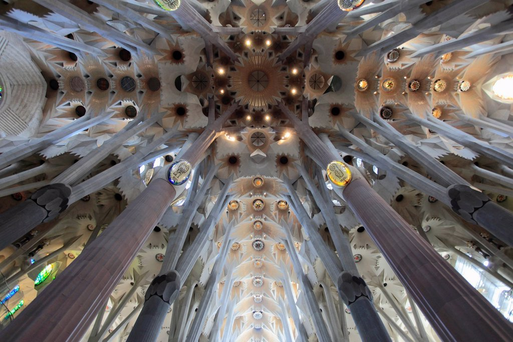 Stock Photo: 1566-1026100 Spain, Catalonia, Barcelona, Sagrada Familia, basilica, interior,
