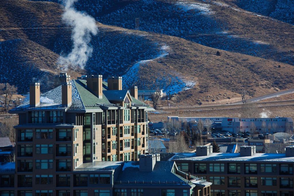 Stock Photo: 1566-1026981 USA, Colorado, Avon, Westin Riverfront Hotel