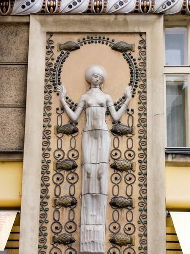ART NOUVEAU MAJOLICA FISH FRIEZE KAPROVA STREET STARE MESTO OLD TOWN PRAGUE CZECH REPUBLIC : Stock Photo