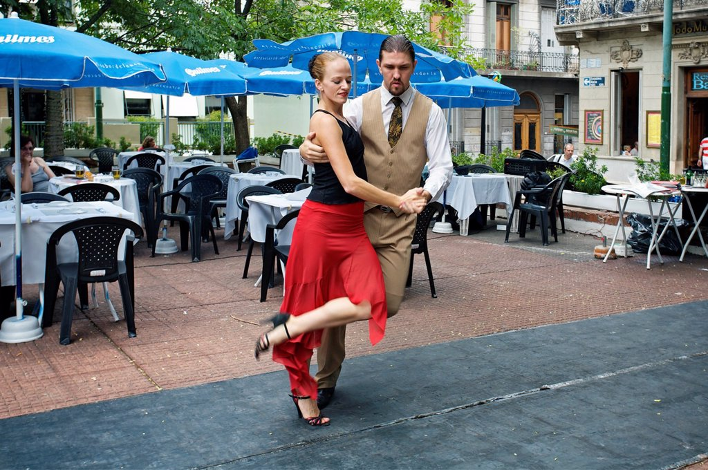 Stock Photo: 1566-1027750 Tango Dancers, Plaza Dorego, San Telmo District, Buenos Aires, Argentina.