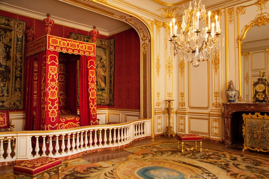 Stock Photo: 1566-1028022 Bedroom of King Louis XIV, Chateau Chambord, Loire Valley, Centre France