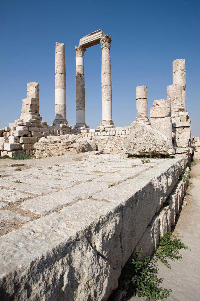 Stock Photo: 1566-1028121 ROMAN TEMPLE OF HERCULES RUINS OF CITADEL AMMAN JORDAN