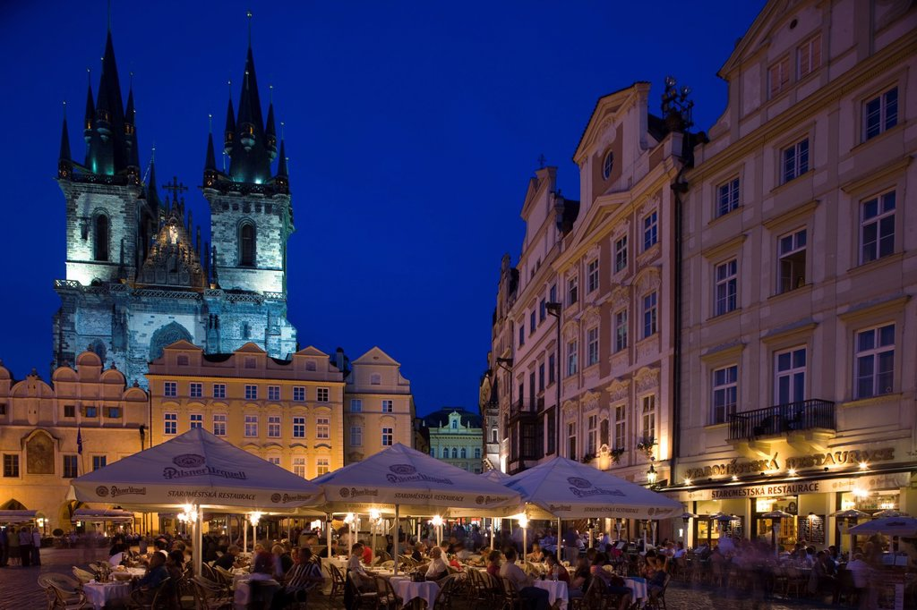 Stock Photo: 1566-1028122 STREET CAFES TYN CHURCH OLD TOWN SQUARE STAROMESTSKE NAMESTI PRAGUE CZECH REPUBLIC