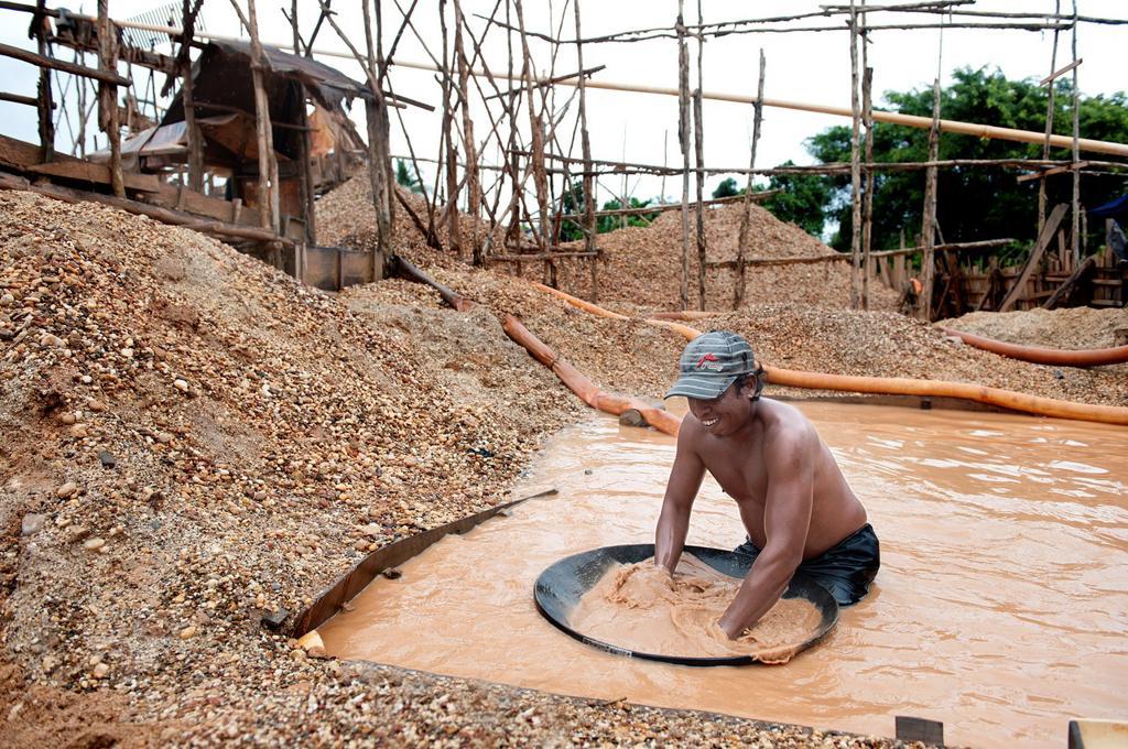 Stock Photo: 1566-1033669 Diamond mine in cempaka, south kalimantan,borneo,indonesia,south-east asia