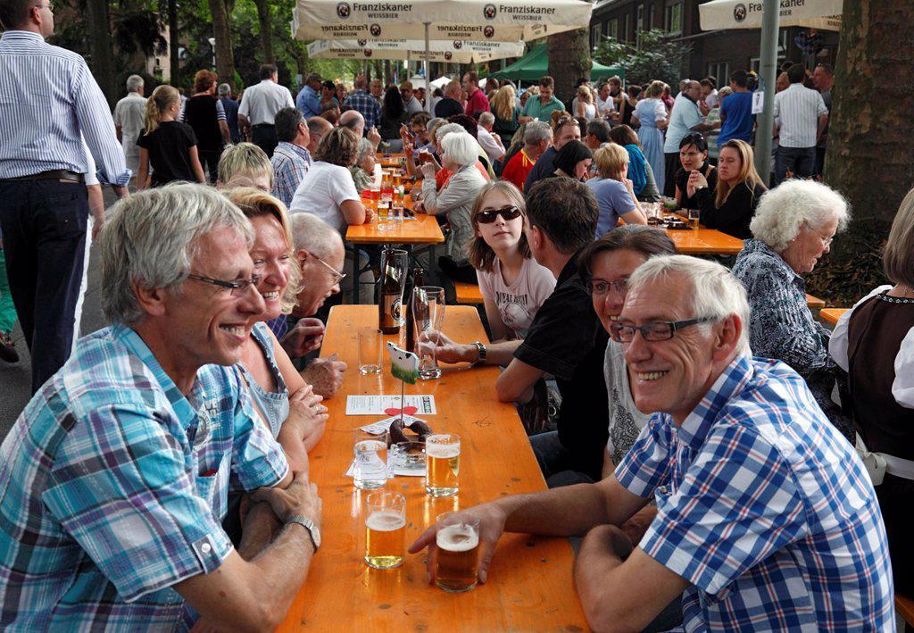 D-Krefeld, Rhine, Lower Rhine, Rhineland, North Rhine-Westphalia, NRW, Friedrich-Ebert-Strasse, street party ´Summer Street´ 2012, summer fair of the street dwellers to upkeep good neighborhood : Stock Photo