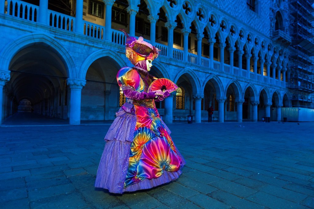 A masked woman at the carnival in Venice, Italy, Europe : Stock Photo