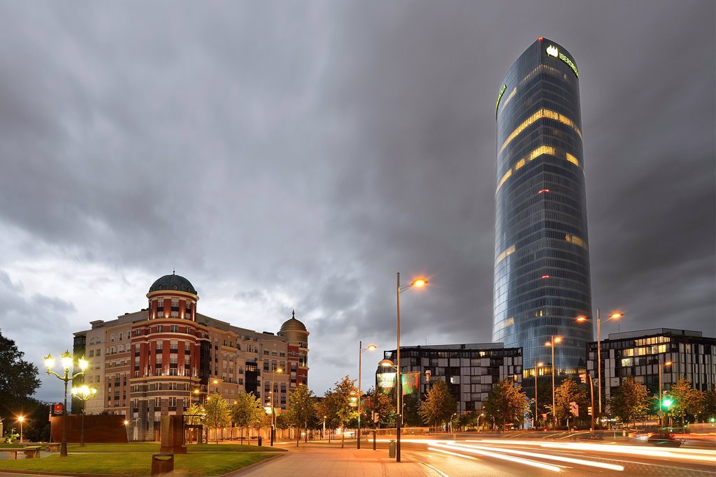Iberdrola tower in the Euskadi Square at sunset, Bilbao, Basque Country, Biscay : Stock Photo