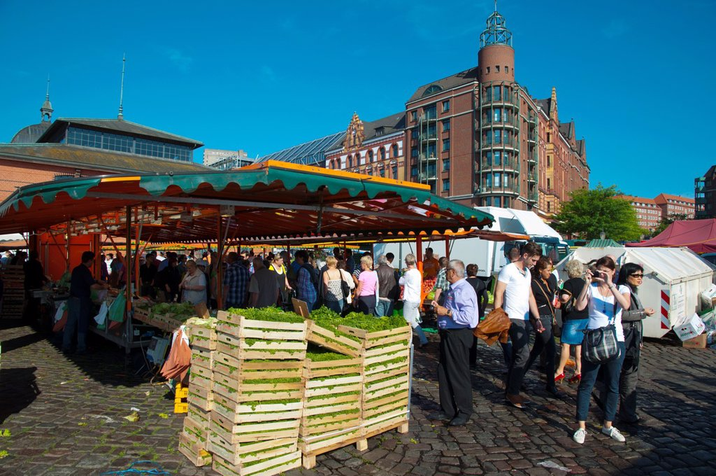 Stock Photo: 1566-1040412 Sankt Pauli Fischmarkt the fish market in St Pauli district Hamburg Germany Europe