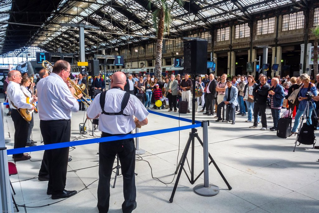 Stock Photo: 1566-1043903 Paris, France, New Orleans Jazz Band, Orchestra Performing in Train Station, Gare de Lyon, National Music Festival, Fete de la Musique, American Jazz Music Concert in Hall