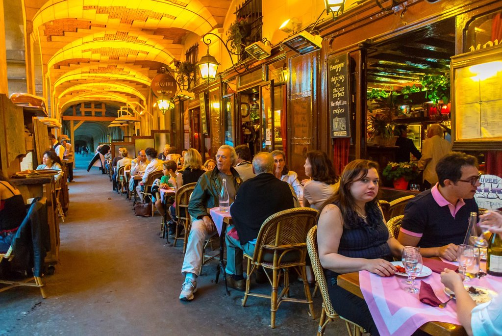 Stock Photo: 1566-1044682 Paris, France, French Bistro, Café Restaurant, ´Ma Bourgogne´, Place des Vosges, in the Marais