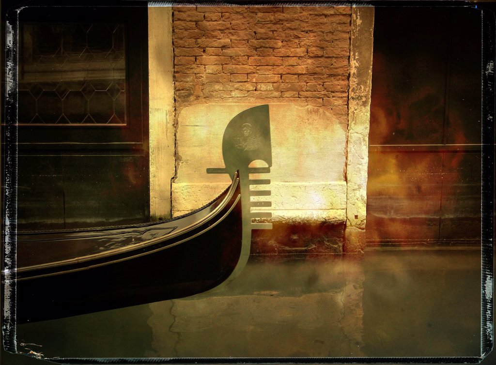 Stock Photo: 1566-1045353 Bow of a gondola, vintage look, Venice, Italy, Europe