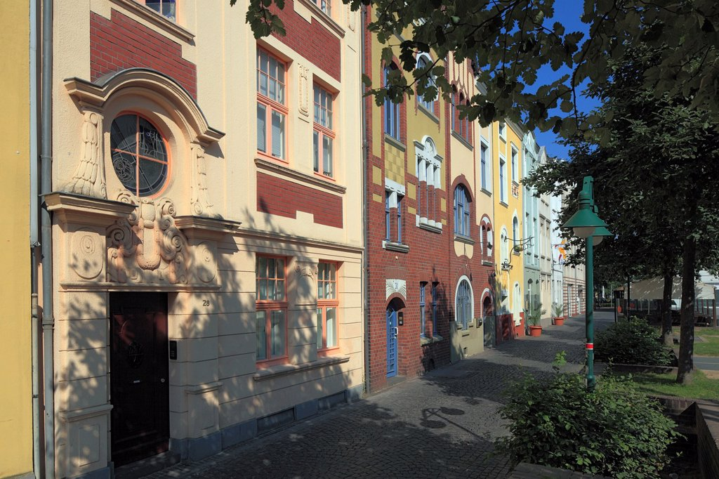 Stock Photo: 1566-1047776 D-Krefeld, Rhine, Lower Rhine, Rhineland, North Rhine-Westphalia, NRW, Anne-Frank-Platz, Anne-Frank square, Muehlenstrasse, residential buildings, row houses, bordels, cathouses