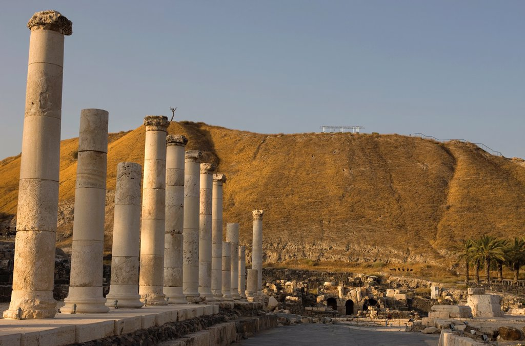 Stock Photo: 1566-1048502 PALLADIUS STREET BYZANTINE COLONNADE RUINS TEL BEIT SHEAN NATIONAL PARK ISRAEL
