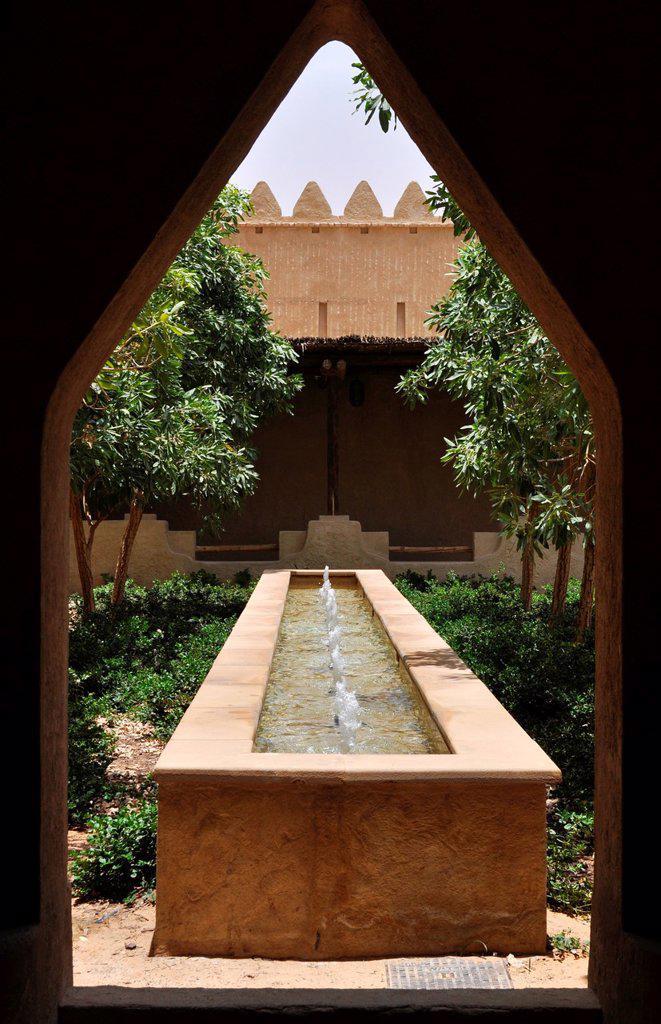 Abu Dhabi, United Arab Emirates: Qasr Al Sarab Desert Resort : Stock Photo