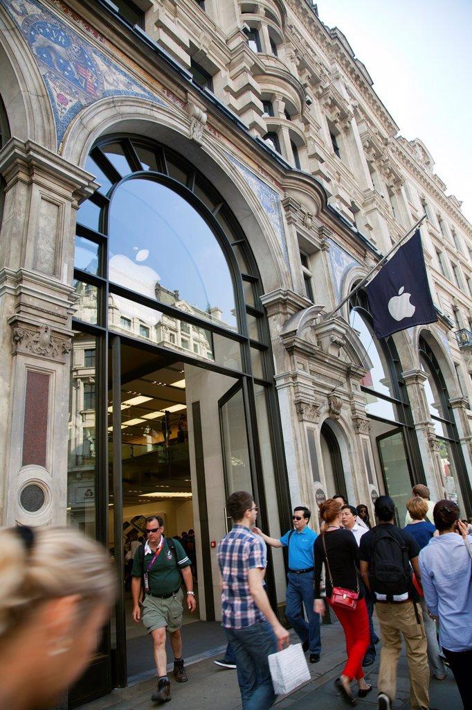Stock Photo: 1566-1050037 Apple Store on Regent Street in London - UK