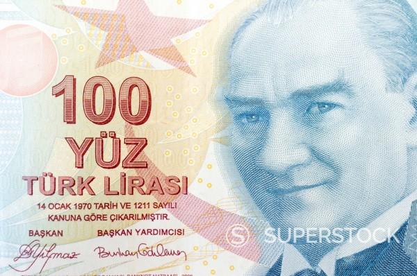 Turkish 100 lira bank note, with portrait of Atatürk : Stock Photo