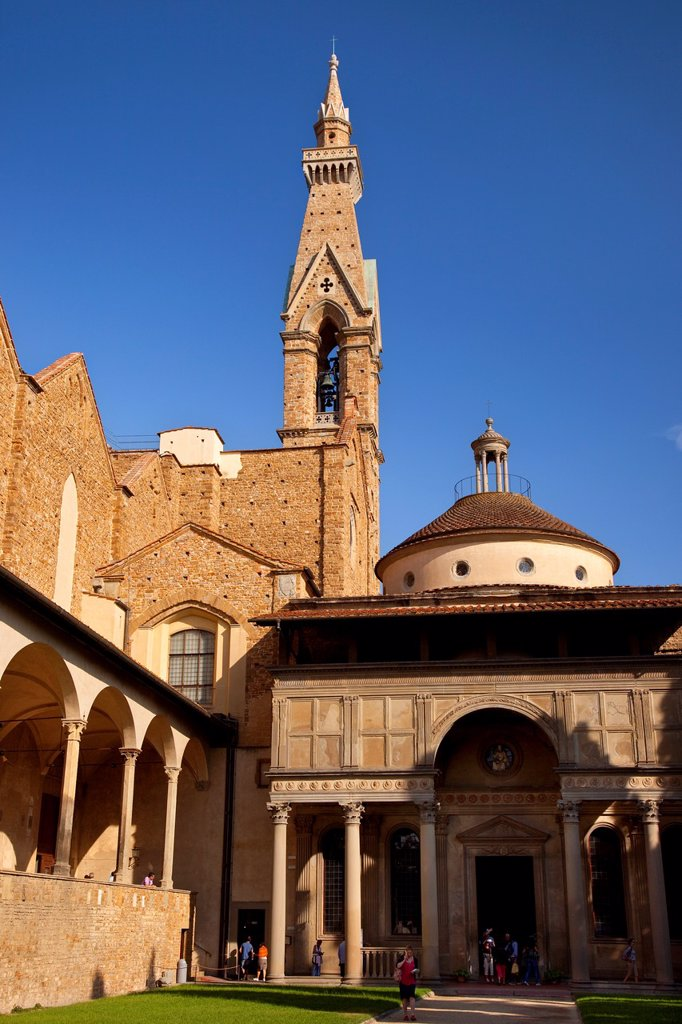 Basilica Santa Croce and Cloister, Florence, Tuscany Italy : Stock Photo