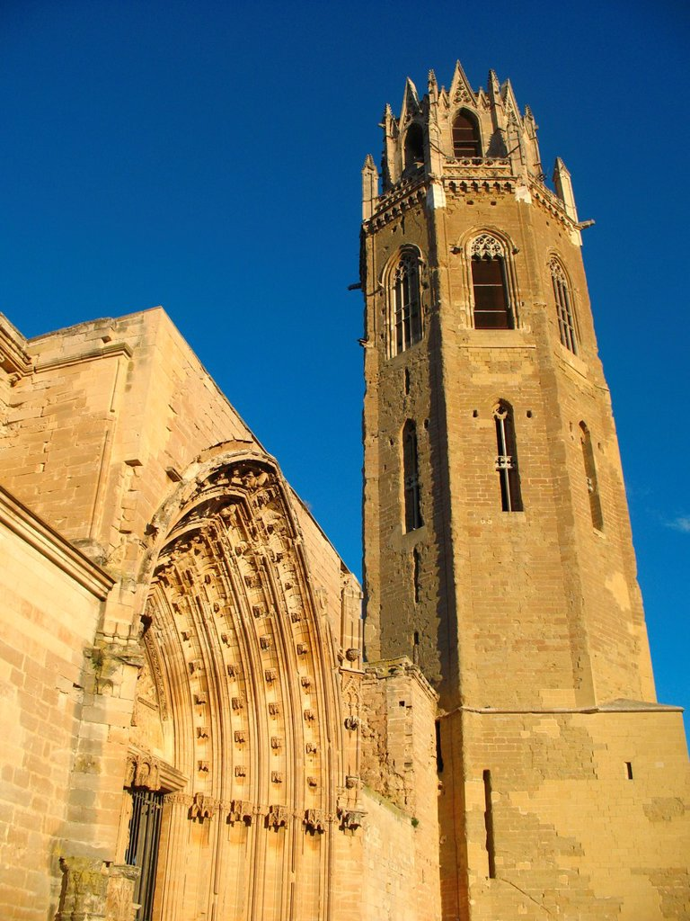 Stock Photo: 1566-1058195 Seu Vella old cathedral, Lleida, Catalonia, Spain
