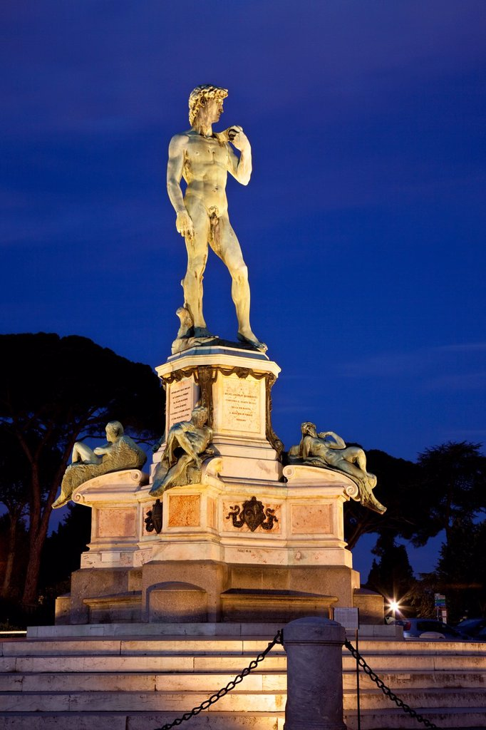Stock Photo: 1566-1062555 Copy of Michelangelo´s ´David´ at dawn at Piazzala Michelangelo, Florence, Tuscany Italy