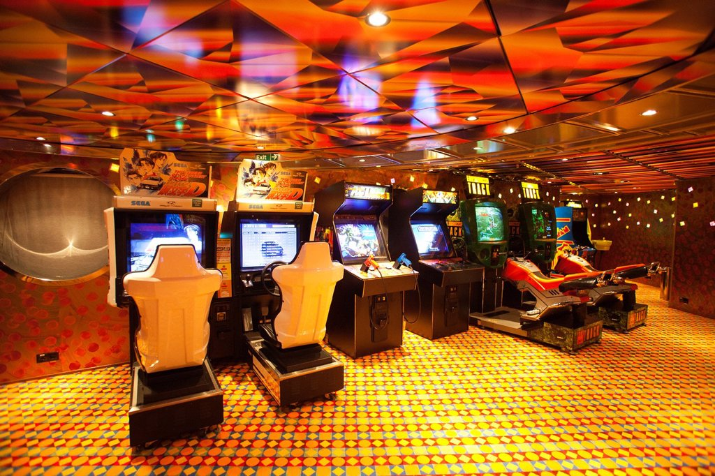 Stock Photo: 1566-1062722 game room, cruise ship, costa mediterranea, costa crociere cruise line