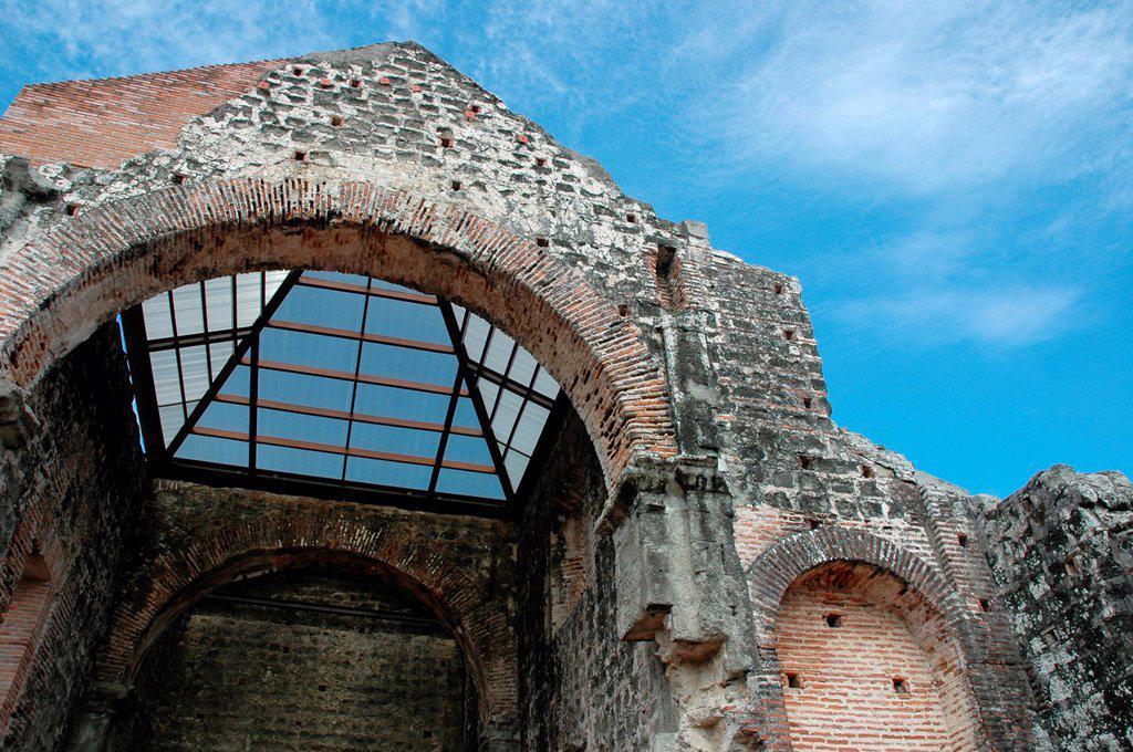 Ciudad de Panamá Panama: Panamá la Vieja also Panamá Viejo, the ruins of Convento de la Concepción : Stock Photo