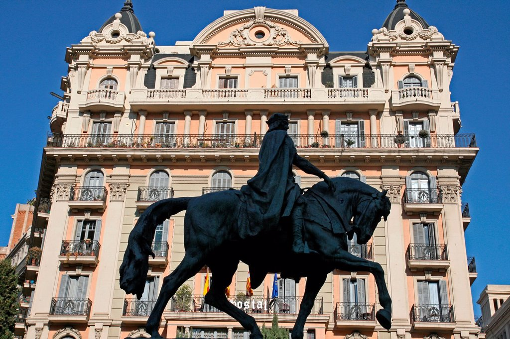 equestrian statue of Ramon Berenguer III, Barcelona, Catalonia, Spain : Stock Photo