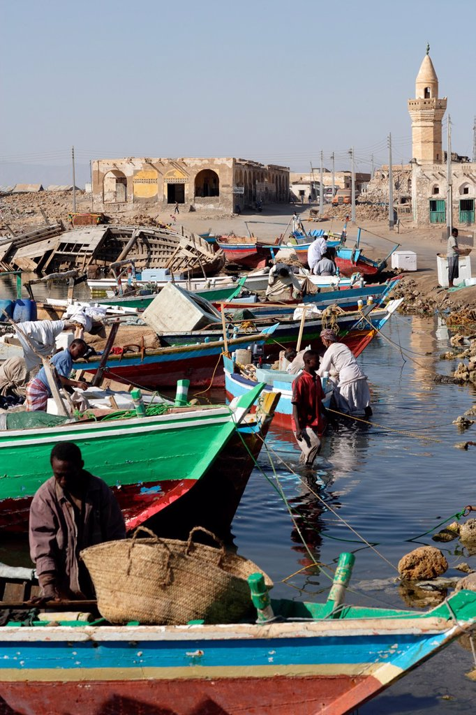 Fishermen and fisherboats in the harbor of Suakin, Red Sea, Sudan, East Africa : Stock Photo