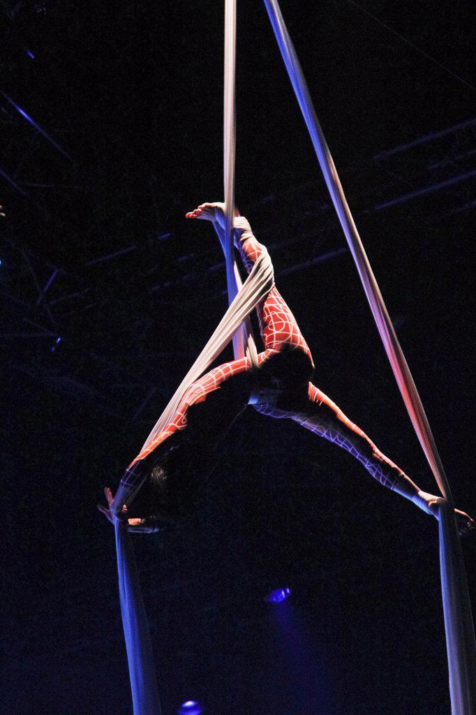 Stock Photo: 1566-1068296 Cirque du Soleil Show