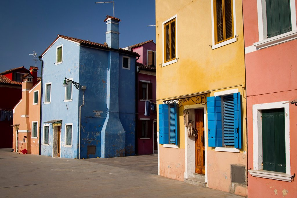 Street and houses  Burano island  Venice, Italy : Stock Photo