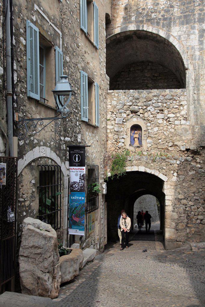 Saint Paul de Vence, St Paul de Vence, medieval village, Alpes Maritimes, Provence, Cote d Azur, France, Europe : Stock Photo