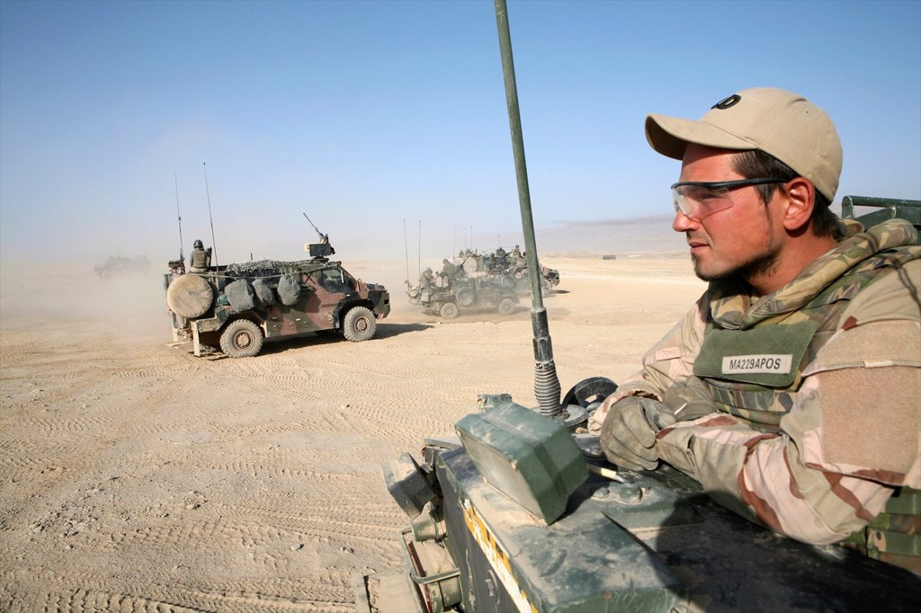 Stock Photo: 1566-1070507 Dutch military in Uruzgan as part of the ISAF intervention