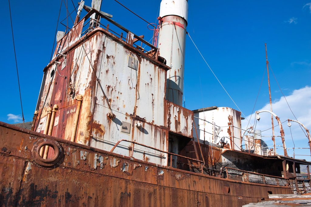 Abandoned Whaling ship rusting, Former Grytviken Whaling Station, South Georgia : Stock Photo