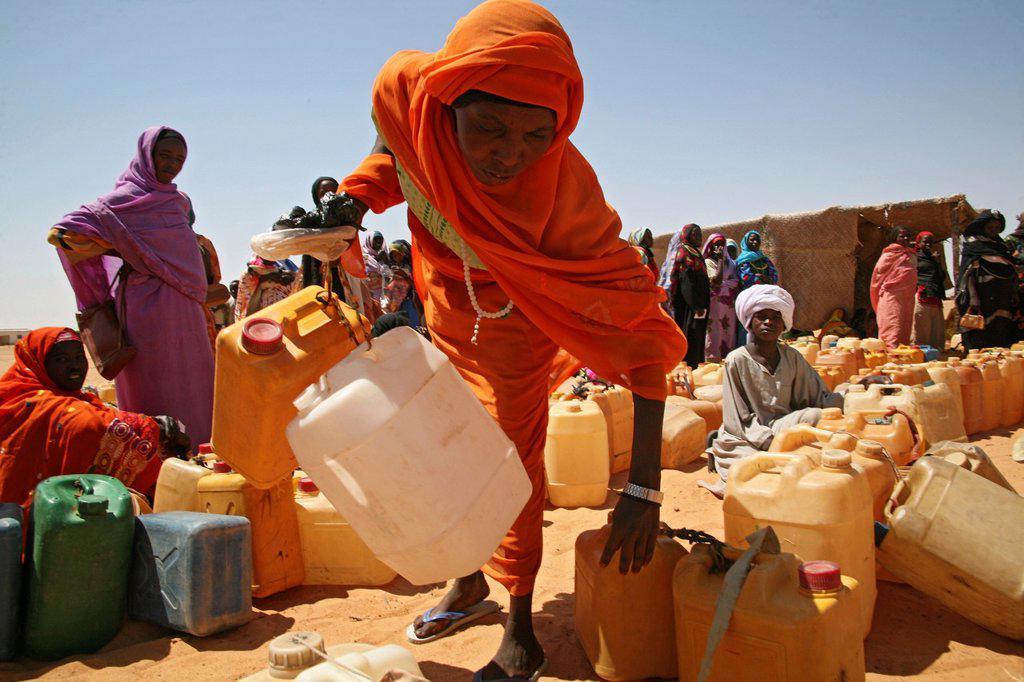 Stock Photo: 1566-1072991 Watersupply as humanitarian aid