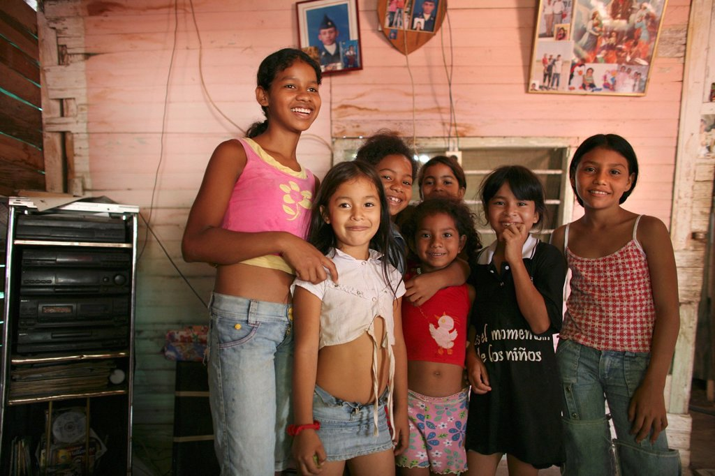 Stock Photo: 1566-1073680 Displaced girls living in the outskirts of Colombia